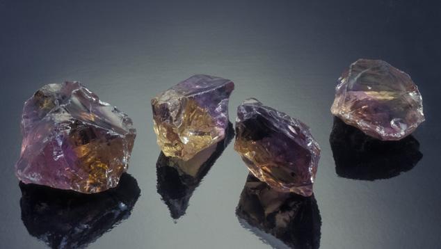 アメトリン結晶