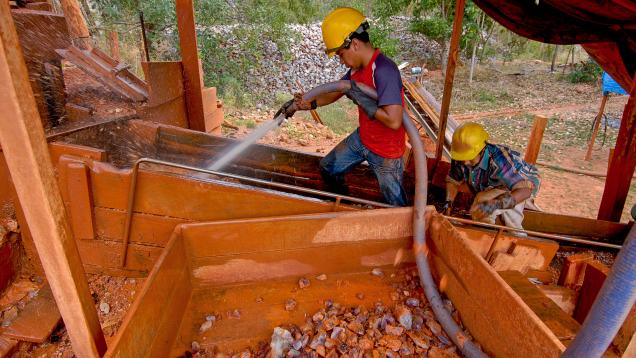 Prewashing Rough from Anahi mine