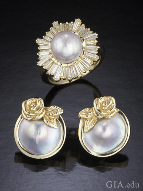 Ring and earrings