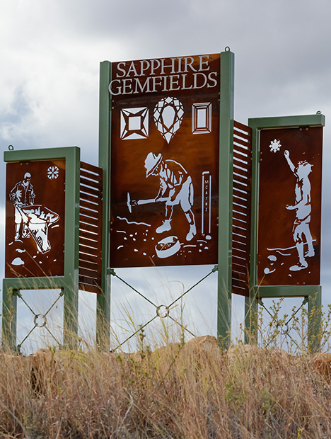 Iron art showing the sapphire gem fields