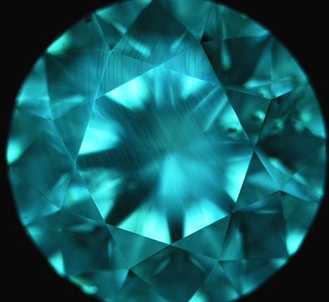 DiamondView image of CVD synthetic diamond