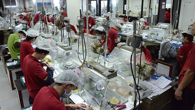 Chinese jewelry factory workers