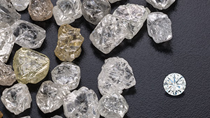 Many diamond dealers are facing high rough inventories in all sizes and qualities, except the largest goods. Some estimates place the stock overhang at three to four months. Photo by Robert Weldon/GIA