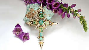 Cross jewel of gold, turquoise, other gems