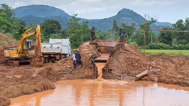 Mechanized Pit Mining in Elahera