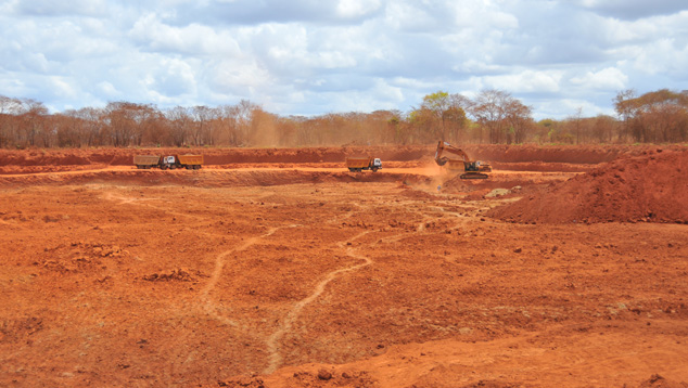 Excavators at Pit 3