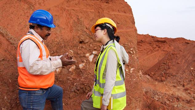 MRM geologist Ashim Roy and GIA geologist Tao Hsu