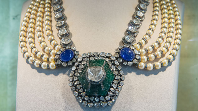 A Moghul-style necklace by Amrapalli Jewels in Jaipur