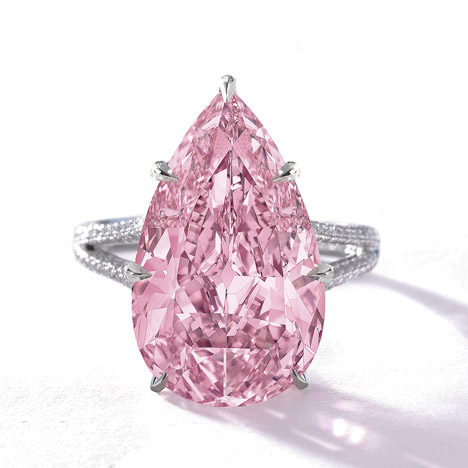 8.41 ct pear-shaped Fancy Vivid purple-pink diamond