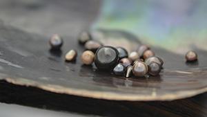 天然淡水真珠の小包