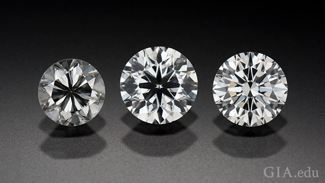 Three round brilliant diamonds in a row