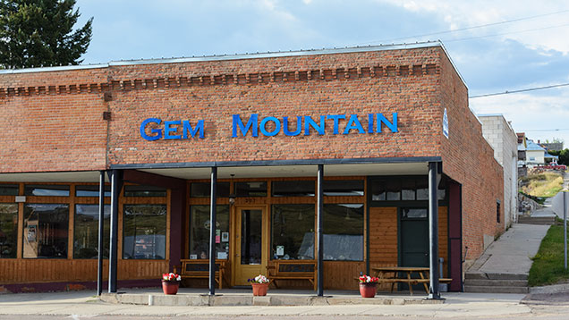 Gem Mountain storefront