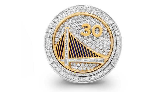 Image showing the top face of the 2015 Golden State Warriors ring.