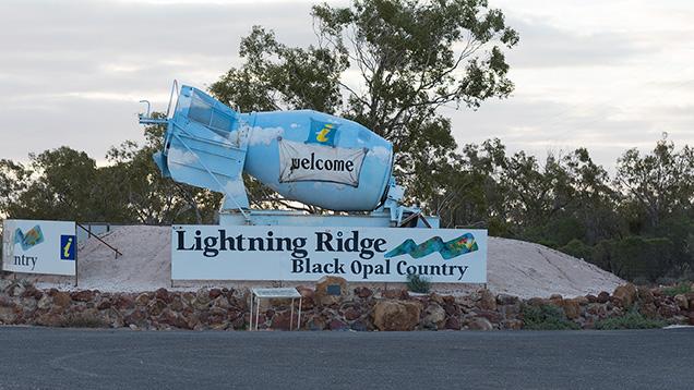 Entrance to Lightning Ridge