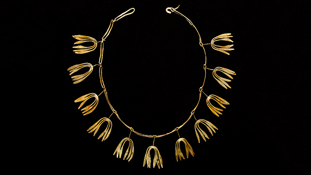 Gold necklace for Bertoia's wife.