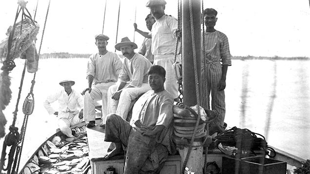 Broome pearl lugger crew.