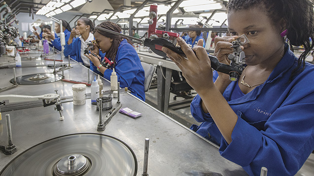 Workers On Wheels >> Botswana's Scintillating Moment | Gems & Gemology
