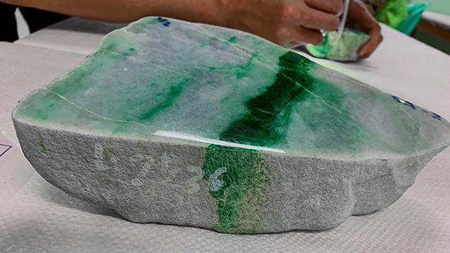 緑色の鉱脈