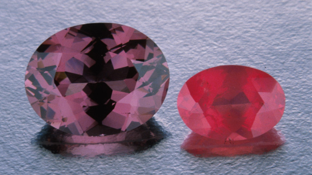Intensely coloured spinel