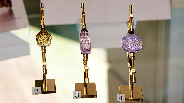 锂紫玉宝石雕刻 — 质量要素