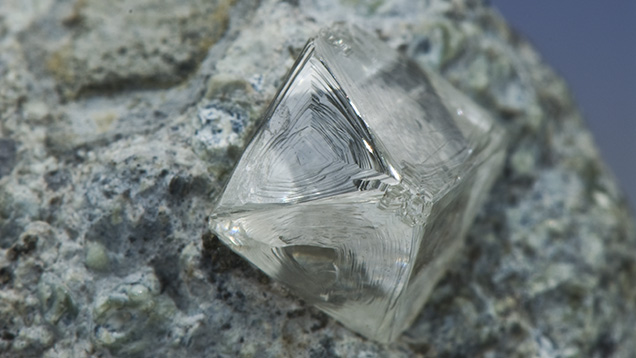 Octahedral diamond crystal