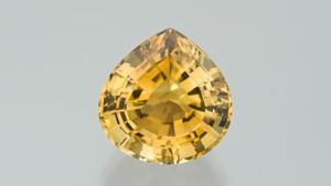 この7.35ctの ペアシェイプのシトリンは、人気のある鮮やかなオレンジがかった黄色です。 - Robert Weldon