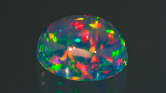 晶体蛋白石