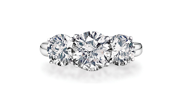 how to purchase the perfect diamond engagement ring