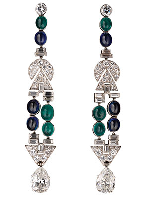 Diamond Cuts In Geometric Shapes Such As The Baguette Triangle Tze And Half Moon Became Por Art Deco Jewelry