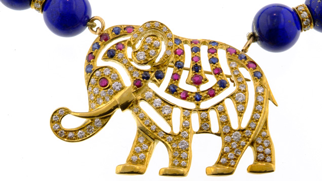 18K yellow gold elephant pendant/brooch