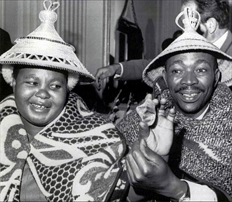 Ernestine and Petrus Ramaboa with Lesotho Brown diamond]