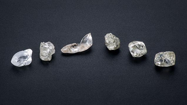 8–10 ct diamond crystals