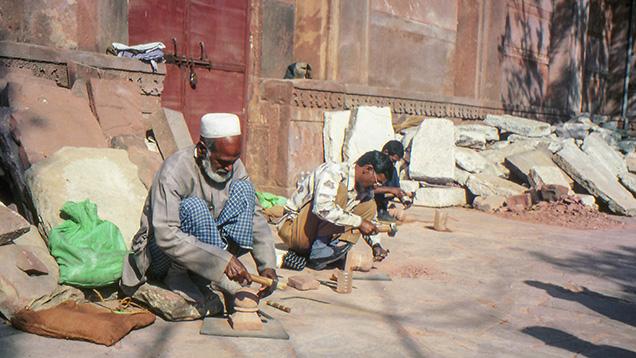 Hajii Nizamuddin Naqshbandi, stone carver at the Taj Mahal