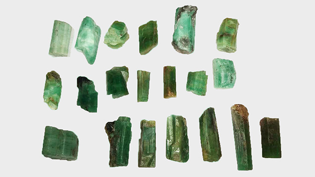 Medium- to low-quality rough emeralds from Malipo, China
