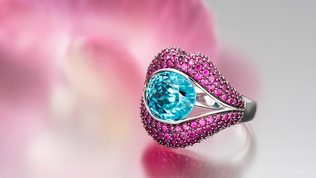 7.95 ct blue zircon ring