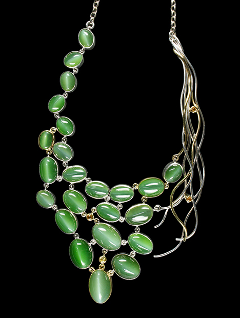 Necklace with apple-green nephrite cabochons