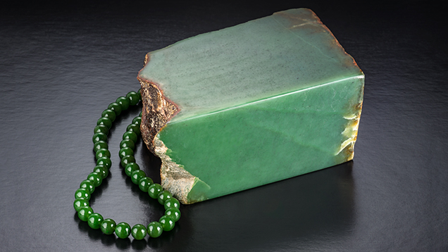 Polar Jade bead strand, and rough from Wyoming, US