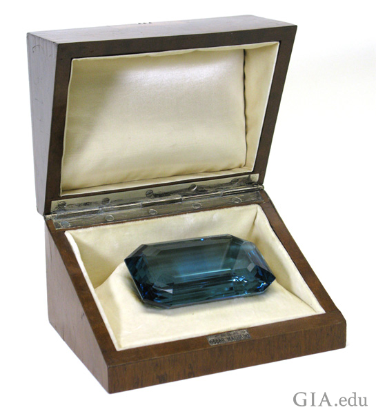 The 1,298 carat rectangular step-cut aquamarine in art deco box gifted to Eleanor Roosevelt from the government of Brazil in 1936 is one of the largest April birthstones.