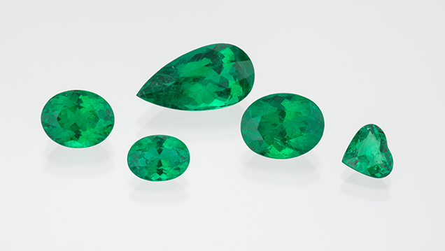 Array of emeralds from Nova Era
