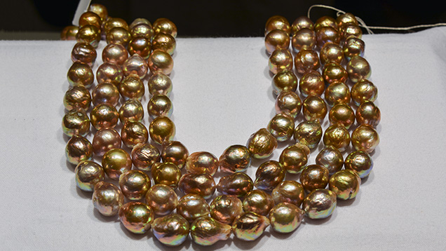Baroque Chinese freshwater cultured pearls