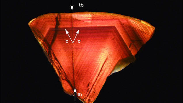 View of growth zoning in a twinned Australian chrysoberyl crystal