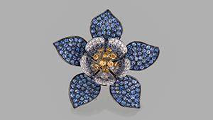 "Paula Crevoshay's ""Yogo Columbine"" sapphire pendant"