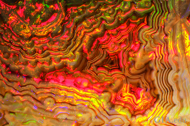 Close-up of agate-like banding.