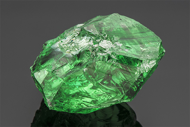 Rough tsavorite.