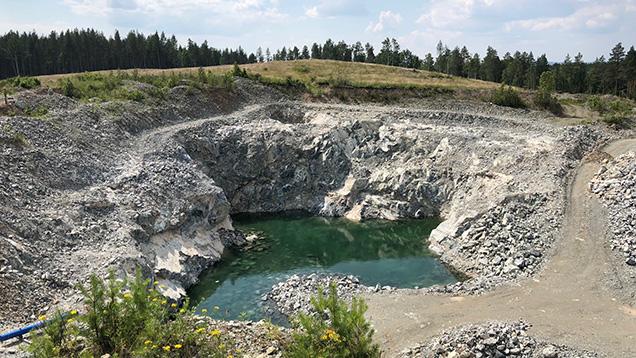 Korkodin demantoid mine is an open-pit operation.