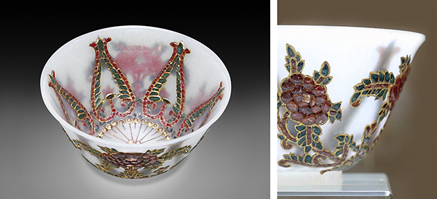 White nephrite bowl inlaid with gems and gold shows the eggshell carving technique.