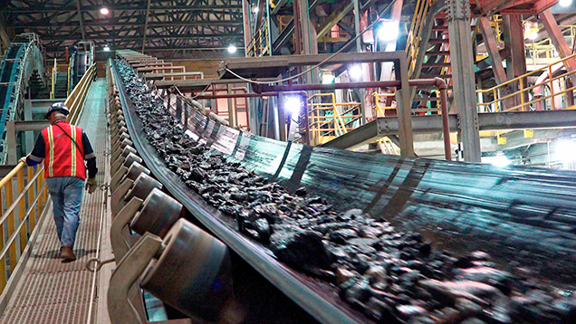 Kimberlite ore on conveyor belts
