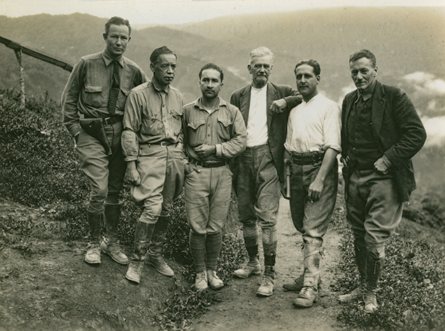 Peter Rainier and other miners at Chivor