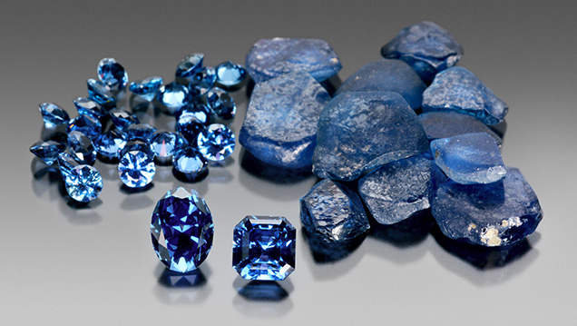 Flat tabular shape of rough Yogo sapphire