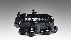 Wine vessel carved from Guangxi black nephrite